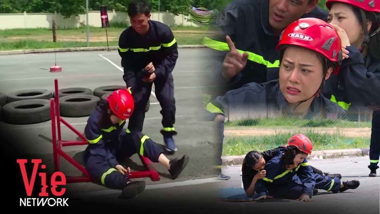 Phương Oanh sợ hãi khi thấy Trương Quỳnh Anh ngã đau trên Mỹ Nhân Hành Động | Bản tin VieNews.vn