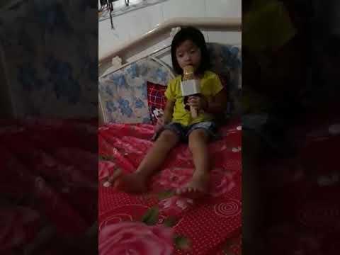 """Biệt Tài Tí Hon - Bé 5 Tuổi Ca LÝ CÁI MƠN Quá Hay - NNƯT VĂN CHÂU Dạy """"Bài Đầu Tay"""" Cho Bé"""
