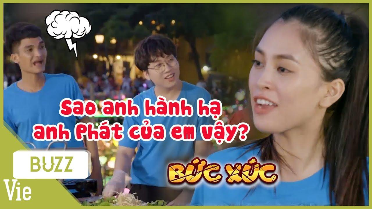 """Phát La """"rớt nước mắt"""" vì được hoa hậu Tiểu Vy ra sức bảo vệ khi bị Mạc Văn Khoa """"hành hạ"""""""