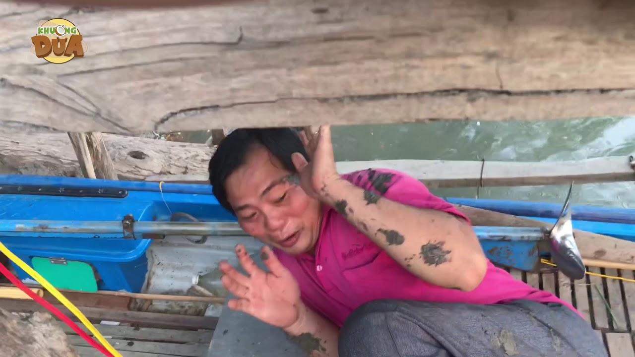 Tâm xe ôm tắm sông bị Khương Dừa chọi đất sình thấy thương!!!!